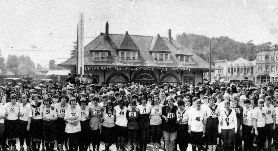 Women's Dipsea 100-Year Tribute Hike